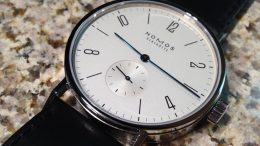 Replique Montre Nomos Tangomat