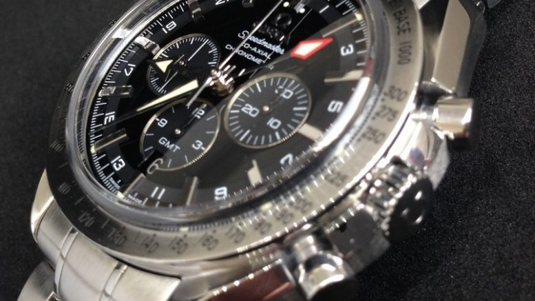 Replique Montre Omega Speedmaster Broad Arrow GMT Homme