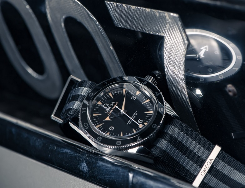 Replique Montre Omega Seamaster 300 Spectre James Bond