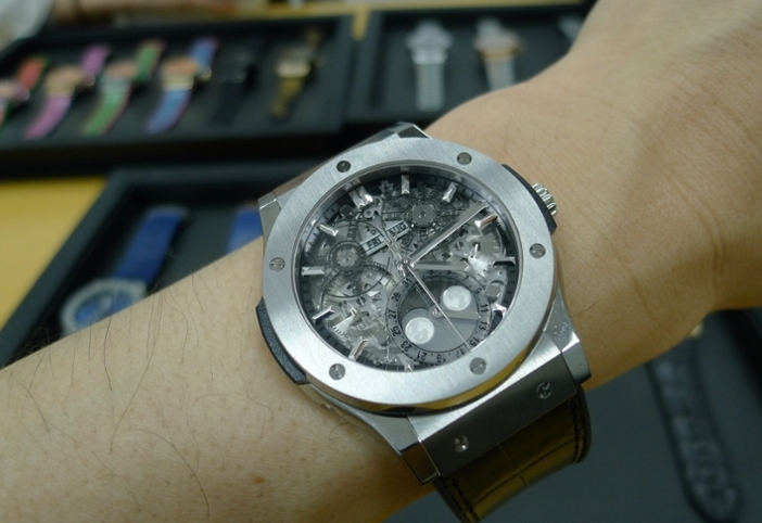 Replique Montre Hublot Classic Fusion Aerofusion Moonphase 517.NX.0170.LR