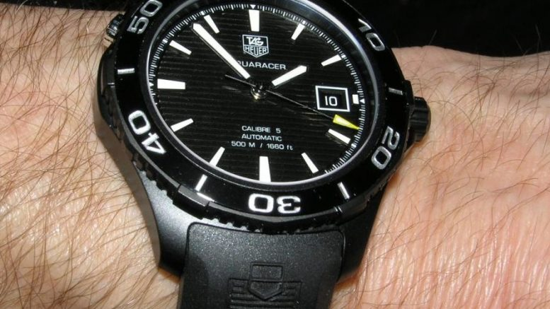 Replique Montre Tag Heuer Aquaracer 500m Titane Noir