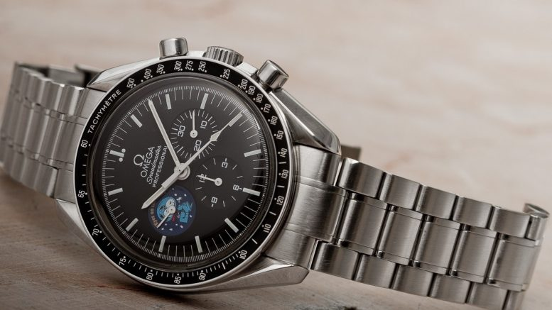 Replique Montre Omega Speedmaster Professional Snoopy Award